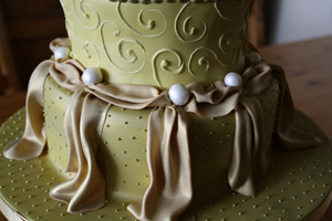 Details of golden anniversary cake